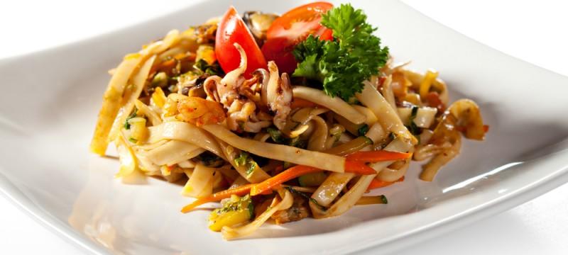 Tallarines de calamar con verduras