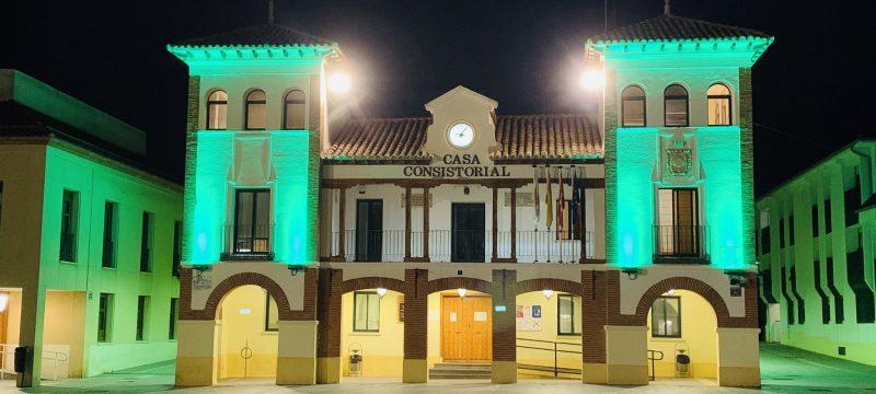 Más de 20 ciudades españolas se iluminan de verde como símbolo de lucha contra el desperdicio alimentario